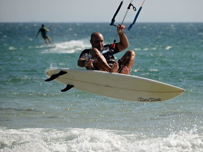 3 Days Kitesurfing Surf Camp in Andalusia, Spain