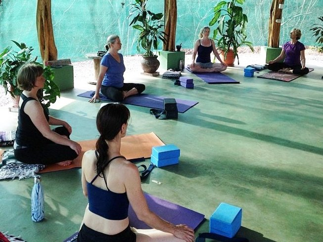4 Days Healthy Gourmet Food & Yoga Retreat Costa Rica