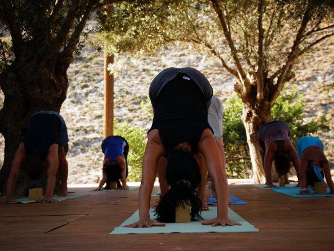 8 Days Iyengar Yoga Retreat Greece with Kristina