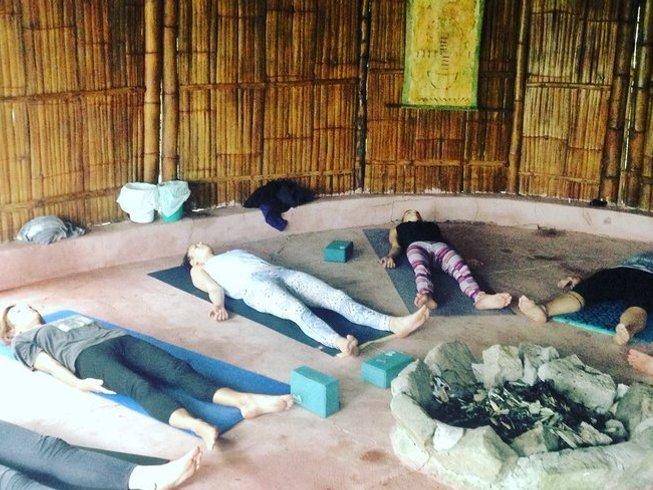 3-Daagse Herstellende Yoga Retraite in Olon, Ecuador