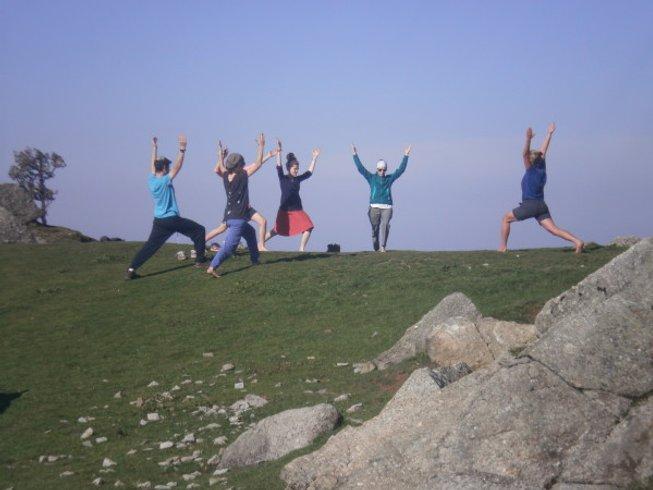 15 Tage Yoga Retreat im Indischen Himalaya mit Zertifiziertem Thai Yoga Massage Kurs