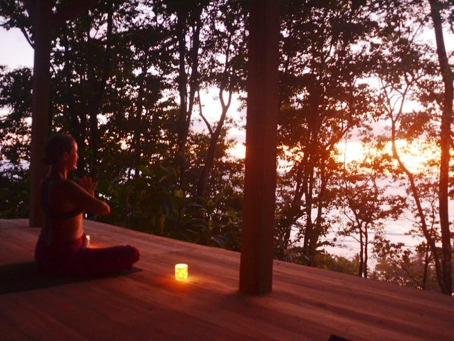 31 Days 300-Hour YTT in Samasati, Costa Rica