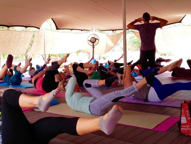 8 Tage Pilates und Yoga Urlaub auf Santorin, Griechenland
