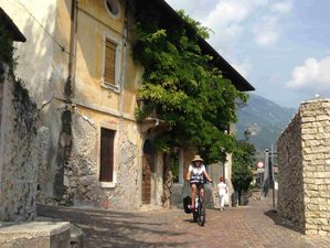 8 Days Cycling Holiday Experience in Italy