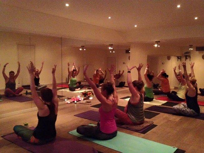 11 Tage 100-Stunden Hot Bikram Yogalehrer Ausbildung in Hilversum Niederlande