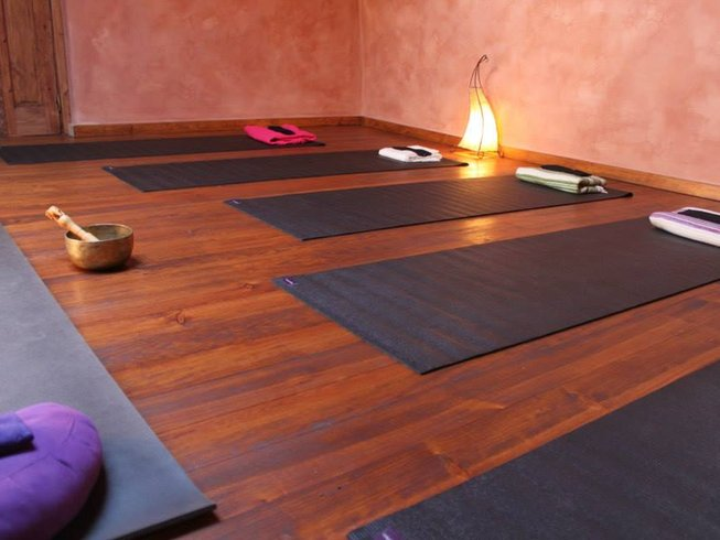 7 Days Spring Vitality Meditation and Yoga Retreat in Oleiros, Portugal