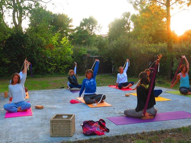 8 Days Raw Food & Yoga Pre Spring Detox Bliss in France