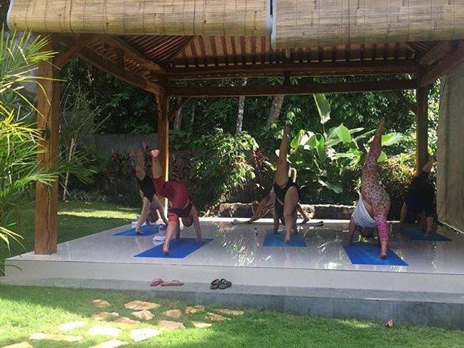 8 Tage Surf Camp und Yoga Retreat für Singles auf Bali, Indonesien