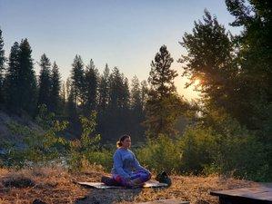 15 Tage 200-Stunden Yogalehrer Ausbildung und Eintauchen in die Natur der Kootenays, British Colombia
