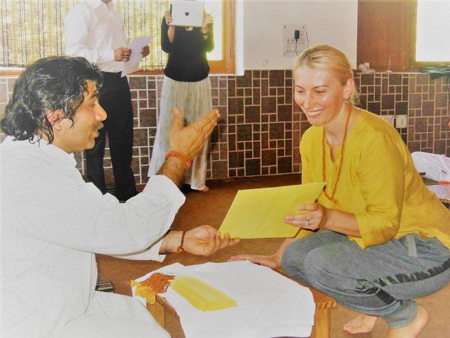 11 días retiro de yoga para mujeres y su naturaleza en Rishikesh, India