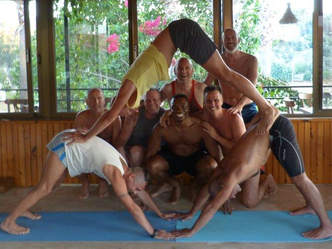 9-Daagse Yoga Retraite voor Homoseksuele en Bi Mannen in Kerala, India