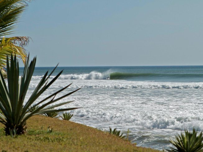 7 Days Wavehunting Surf Camp in Nicaragua