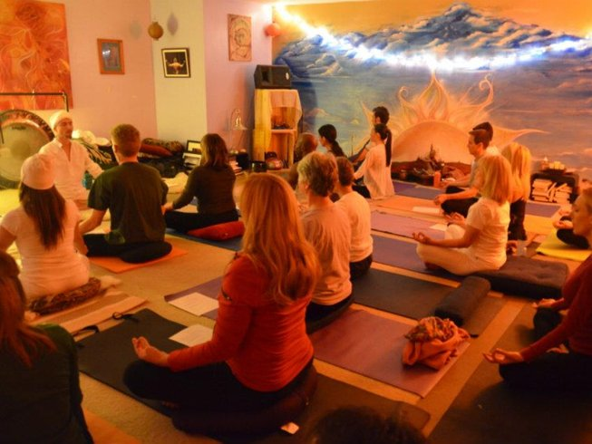 8 Days Kundalini Yoga and Meditation Retreat in Bali