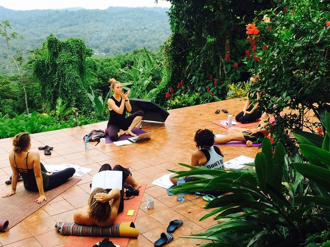 29 jours-300 heures de formation de professeur de yoga à Puerto Viejo, Costa Rica