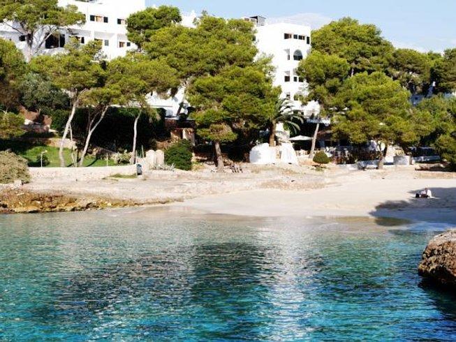 4 Days Luxury Beach Yoga Retreat in Baleares, Spain