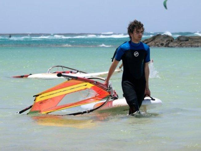 7 Days Beginner's Windsurfing Camp in Corralejo, Spain