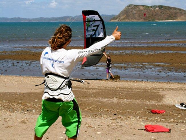 6 Days Budget All-Level Kitesurfing Surf Camp in Guanacaste, Costa Rica