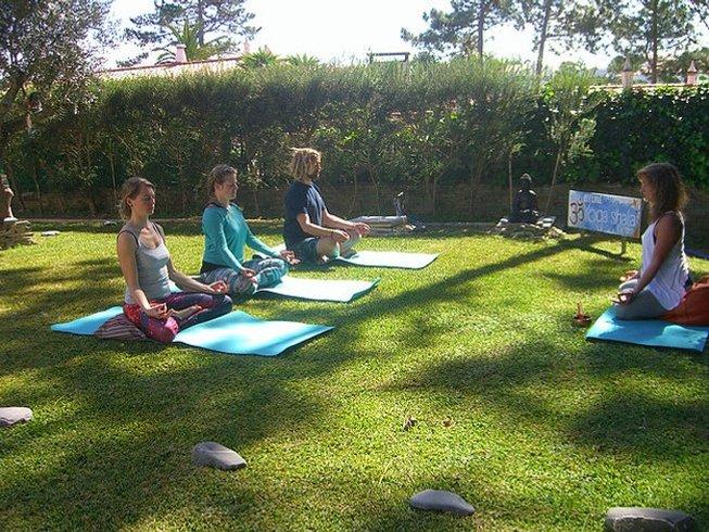 8 días retiro de yoga, surf y senderismo en Aljezur, Portugal