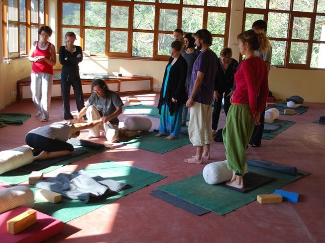 15 Days Yoga & Ayurveda at Village Manyana, India