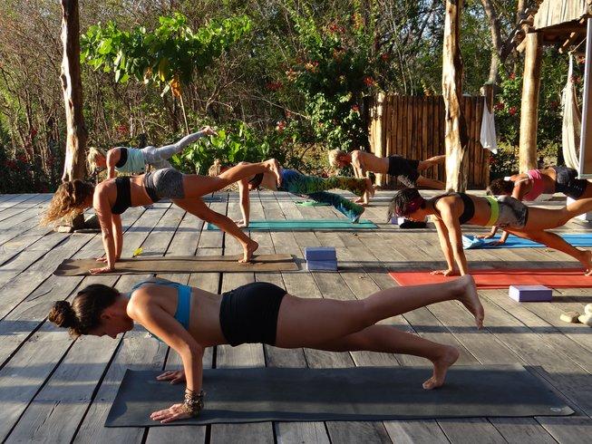 24 Tage 200-Stunden Ashtanga Yogalehrer Ausbildung in Ostional, Nicaragua