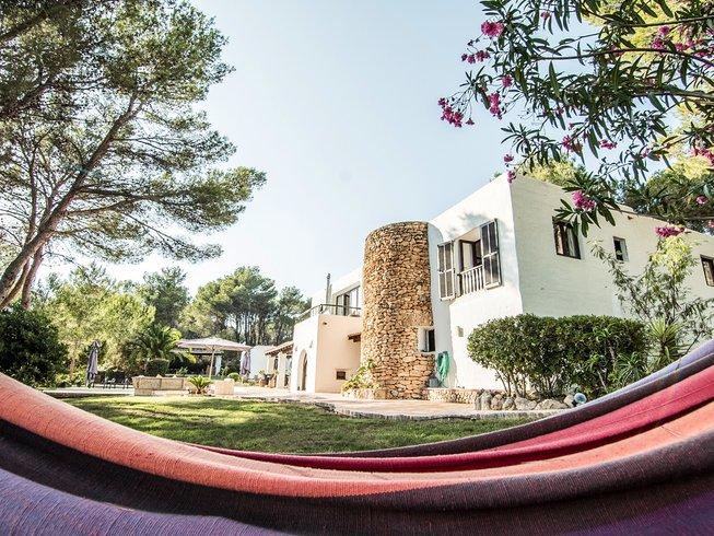 6 Tage Verjüngender Yoga Retreat mit Ganzheitlicher Fitness auf Ibiza, Spanien